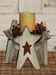 Primitive Wood Star Candleholder Arrangement with Timer wax candle & berry ring