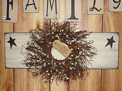 Primitive Star Wall Board with Wreath
