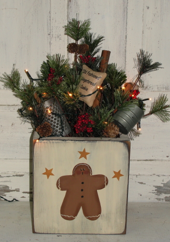 Primitive Gingerbread with Stars Pine Arrangement with Green Cord Mini Light Stand