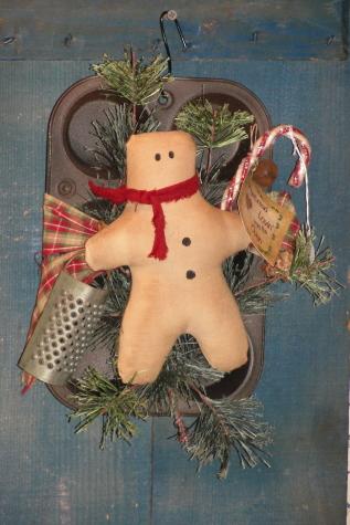 Primitive Gingerbread Muffin Tin