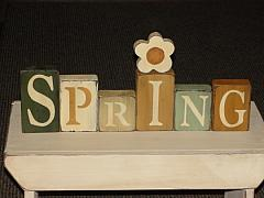 Primitive Spring Tall Wood Blocks with Daisy - Green Tones