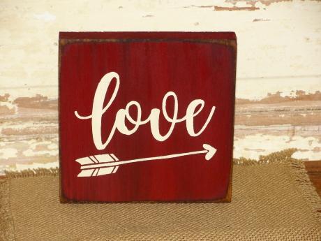 Love With Arrow Block Shelf Sitter