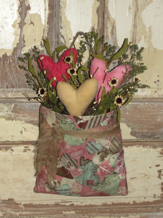 Vintage Style Wall Pouch with Hearts