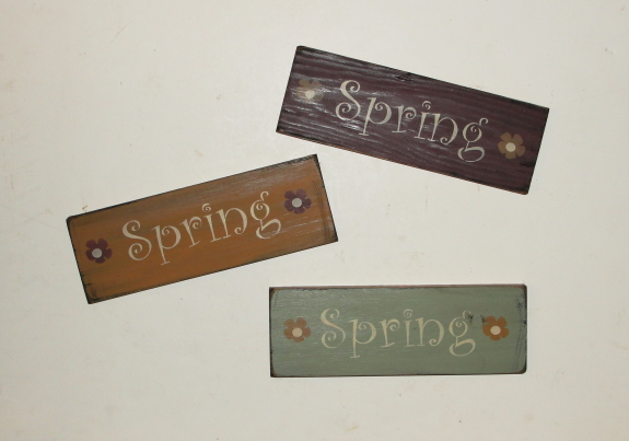 Primitive Spring Wood Shelf Sitter Sign