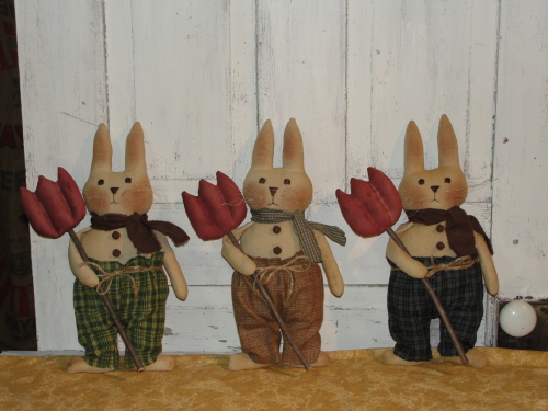 Primitive Chester Bunny with Tulip