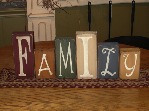 Primitive Family Standing Block Set