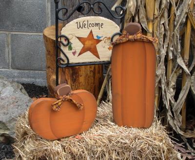 Small Haybale Primitive Wood Pumpkins/Set 2