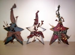 Small Wooden Primitive Stars