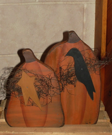 Fall Pumpkins With Primitive Folk Star and Crow